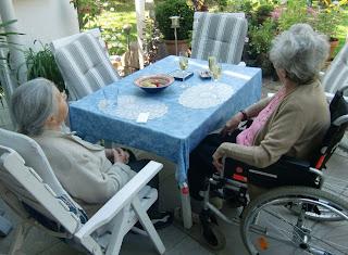 grannies(onemorehandbag)
