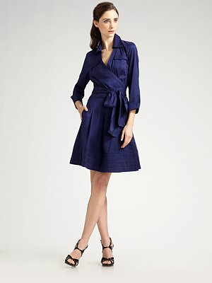 Black Wrap Dress on Sophistication In This Navy Wrap  And If You Didnt Know  Navy Is So In