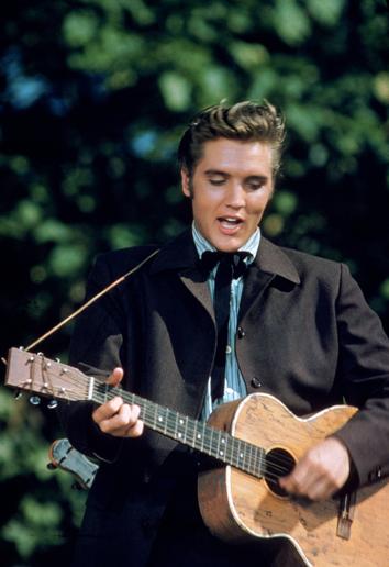 sejarah musisi   Biografi   Sejarah Elvis Presley