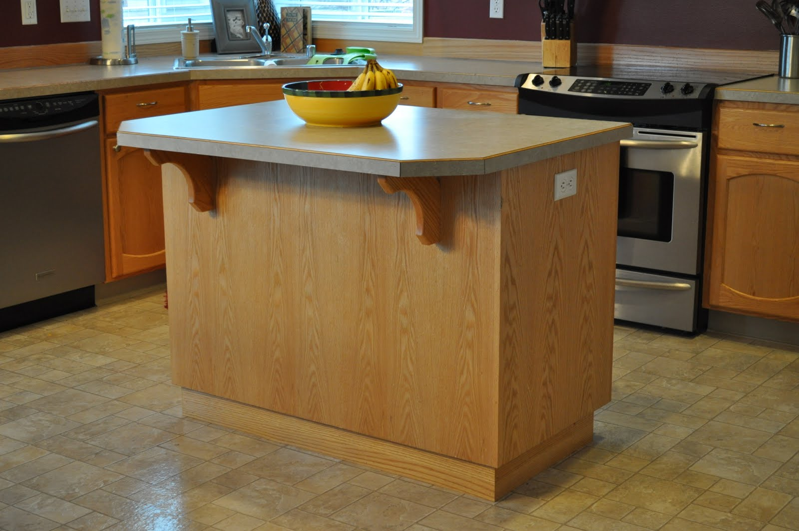 The dizzy house customizing your not so custom kitchen island for Custom kitchen islands