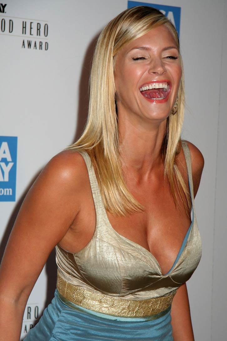 Cleavage Nikita Bellucci nude (25 photos), Pussy, Cleavage, Boobs, panties 2015