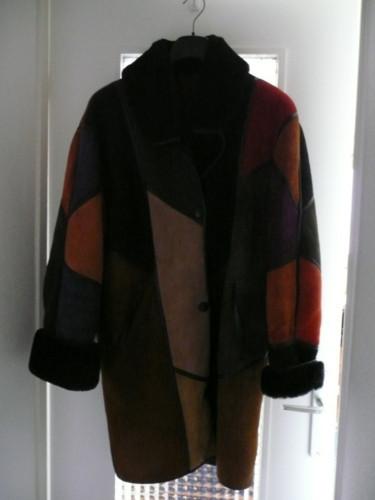 le dressing des copines vend manteau en mouton retourn. Black Bedroom Furniture Sets. Home Design Ideas