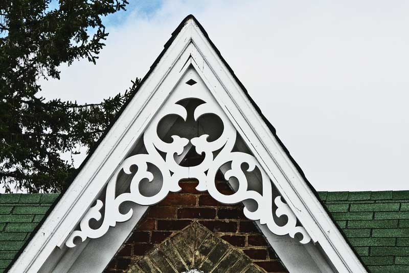 East gwillimbury cameragirl victorian dormer macro monday for Architectural gingerbread trim