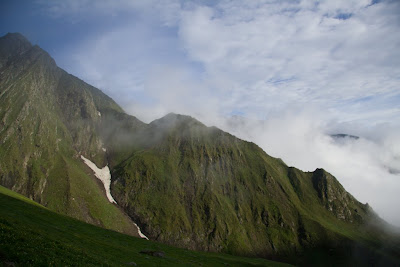 Posted by Ripple (VJ) : Moving Clouds @ Shrikhand Mahadev