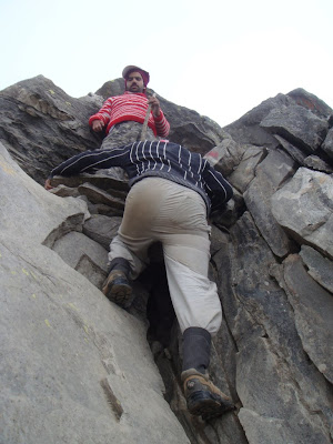 Posted by Ripple (VJ) : Rock climbing without ropes @ Shrikhand Mahadev