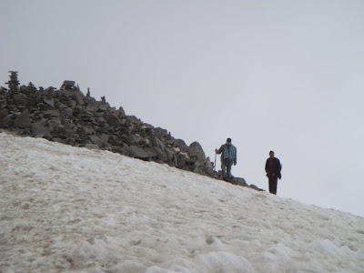 Posted by Ripple (VJ) : Trekkers moving on snow covered hill @ Shrikhand Mahadev