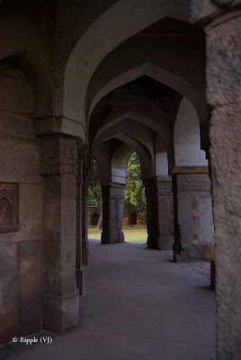 Posted by Ripple (VJ) : A visit to Lodhi Garden, Delhi, INDIA :: Corridor outside the tomb of Mohammed Shah @ Lodhi Garden