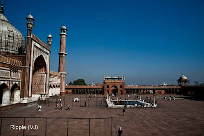 Posted by Ripple (VJ) : Delhi 6 - Jama Masjid : Hauz in Front of the Mosque