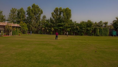 Posted by Ripple (VJ) : Photo Journey: Recently I visited Ranthamore with my office friends and stayed in Ranthamore Forest Resort for on weekend. Here are few Photographs of the resort to feel it through photographs. I have no photograph of food served there because I didn't like food there  :) :: Boys enjoying cricket @ Ranthambore Forest Resort, Savai Madhopur