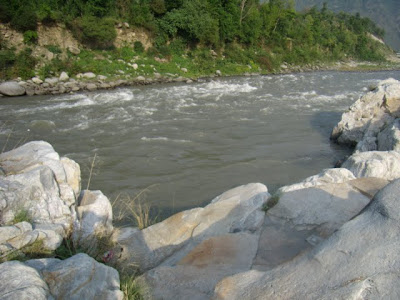 Posted by Ripple (VJ) : Chamba is between north-west by J&Kashmir, on the north-east and east by Ladakh area of Jammu and Kashmir state and Lahaul and Bara-Bangal area of Himachal Pradesh, on the south-east and south by the District Kangra of Himachal Pradesh and Gurdaspur District of the Punjab. :Few More Photographs of Chamba trip in April,2007: ripple, Vijay Kumar Sharma, ripple4photography, Frozen Moments, photographs, Photography, ripple (VJ), VJ, Ripple (VJ) Photography, Capture Present for Future, Freeze Present for Future, ripple (VJ) Photographs , VJ Photographs, Ripple (VJ) Photography : White Rocks on Ravi banks @ Chamba, Himachal Pradesh