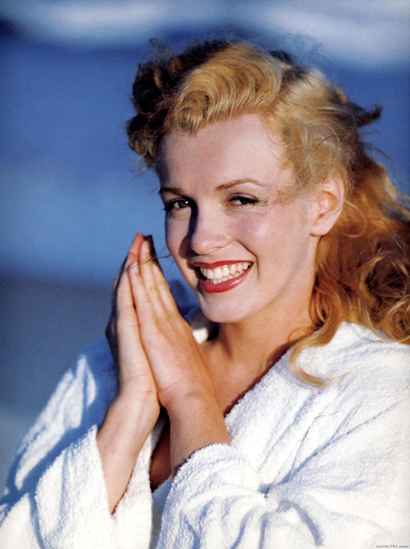 http://3.bp.blogspot.com/_XsfF8_xBcNE/TATAC6n1_JI/AAAAAAAAARs/IQOUnYpSo7Q/s1600/Marilyn_Monroe_16.jpg