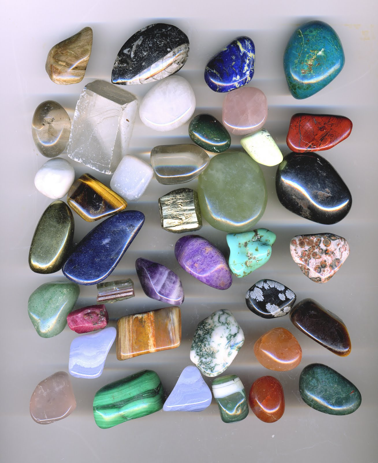 Rough Gemstone Identification Chart http://rayoverde.com.ar/gem-identification-chart&page=6