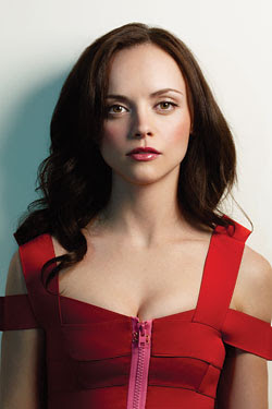 Flat Face of Christina Ricci Photo