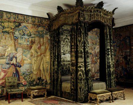 Edward's Bedchambers Early-eighteenth-century+bed+in+the+Green+Velvet+Room