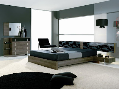 +- Coaster Modern Contemporary Platform Bed, Silver Metal
