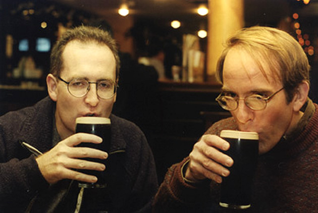 Cormac Clancy and Dan Allen having a pint.