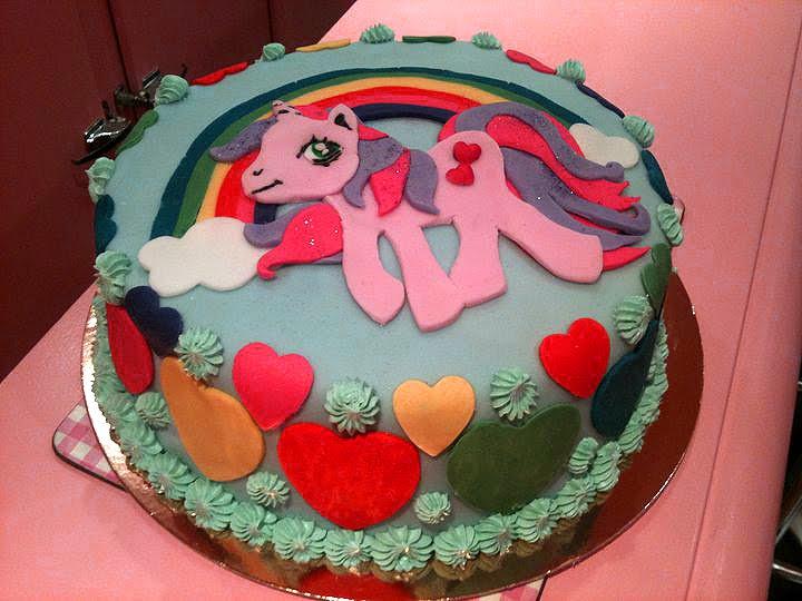 """Très Chloe.S: le gâteau """"mon petit poney"""" JM82"""