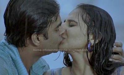 Hot Kissed Vidya Balan