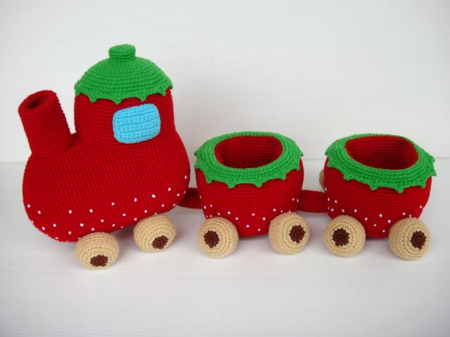 CROCHET PATTERN THOMAS THE TANK TRAIN AFGHAN GRAPH E-MAILED.PDF -