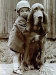 Μια αγκαλια ειναι η κοντινοτερη αποσταση μεταξυ 2 φιλων.