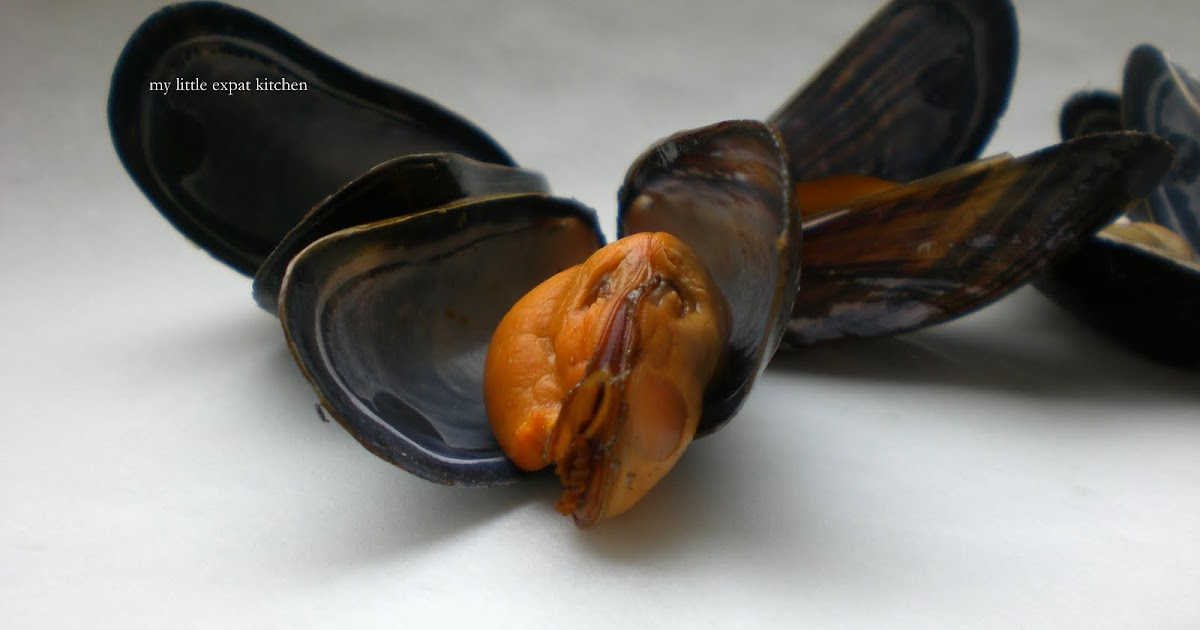 how to clean mussels with cornmeal