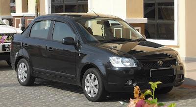 http://3.bp.blogspot.com/_Y26YpNsxUOs/StxJFuHyHGI/AAAAAAAAAHQ/SYE11hpUpKA/s400/1+auswandern+malaysia+autos+Proton+Saga+neu.jpg