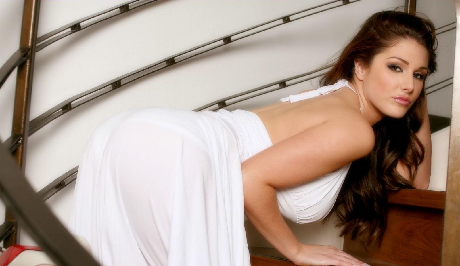 http://3.bp.blogspot.com/_Y5-4Z4aPcOI/TTNCMvxwptI/AAAAAAAAAHo/7jsUlO8sRfU/s1600/Lucy+Pinder+Hot+Wallpapers+-+freehd.blogspot+%25287%2529.jpg