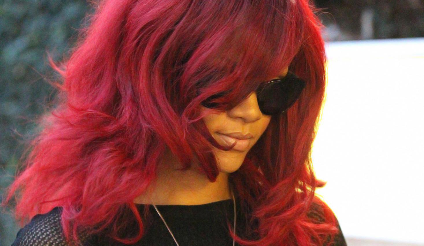 http://3.bp.blogspot.com/_Y5-4Z4aPcOI/TUhgJ8DqgFI/AAAAAAAABPo/7ZDLiXUXpSk/s1600/New+Rihanna+-+FreeHD.Blogspot.Com+%25285%2529.jpg