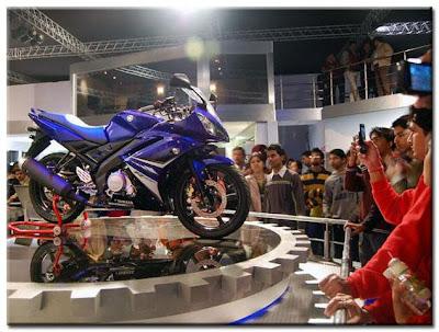 Yamaha YZF-R15 @ AutoExpo 2008