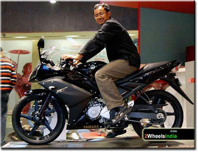 Payeng on the Yamaha YZF-R15