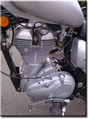 Royal Enfield U.C.E (Unit Construction Engine) with 2 Spark Plugs