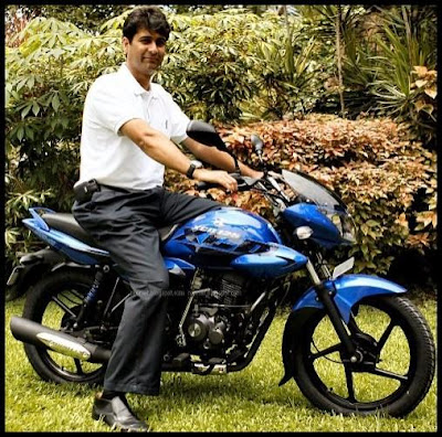 Rajiv Bajaj on 125 cc Bajaj XCD