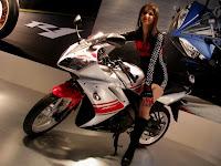 2010 White R15 @AutoExpo 2010