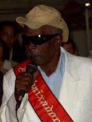 TONIQUINHO BATUQUEIRO