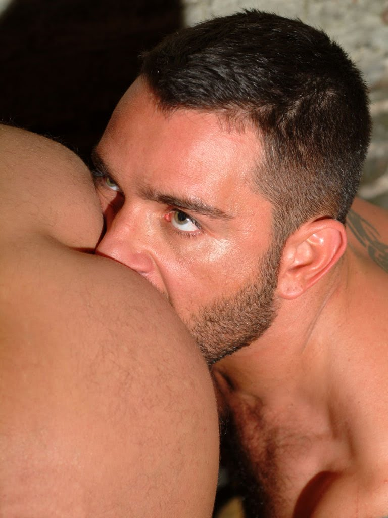 gay bukkake ass licking