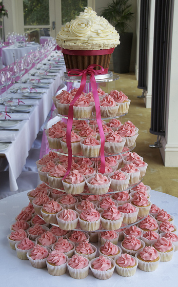 clyde 39 s cupcake magic the info about wedding cupcakes