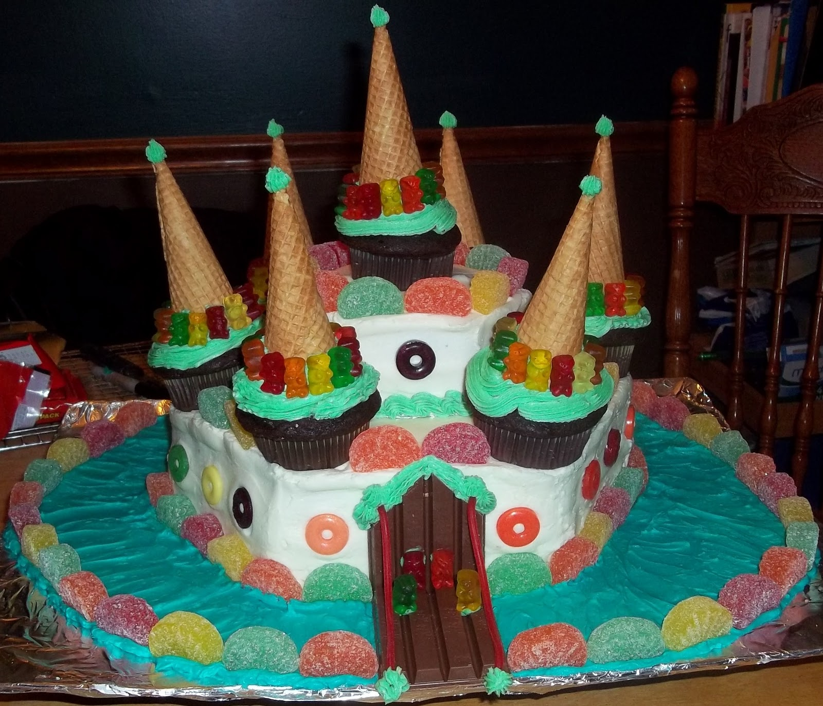 Link 355 Candyland Castle Cake | WSOURCE