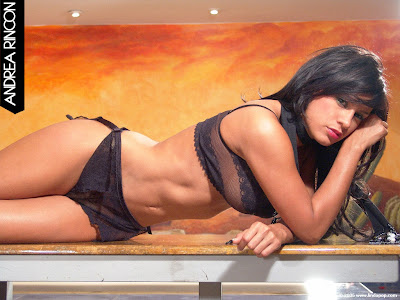 famosas en bikini pilladas en bikini chicas sexys   Andrea Rincon