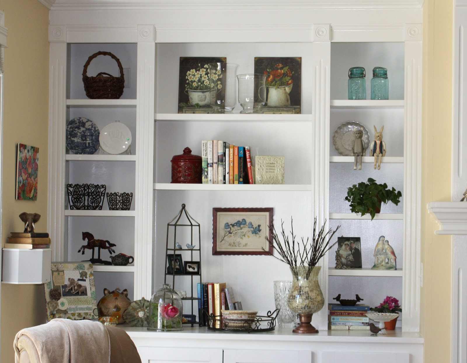 CardBlanc By Kathy Martin Decorating - Built in shelves in family room decorating