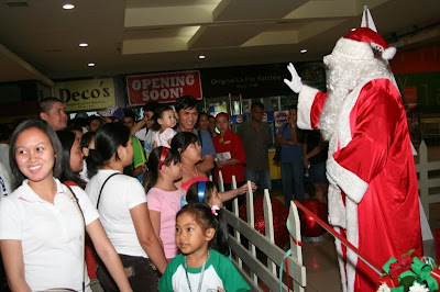 Meet greet santa claus blog sm city bacolod christmas is not just for kids senior citizens also enjoy sm bacolods meet greet santa m4hsunfo
