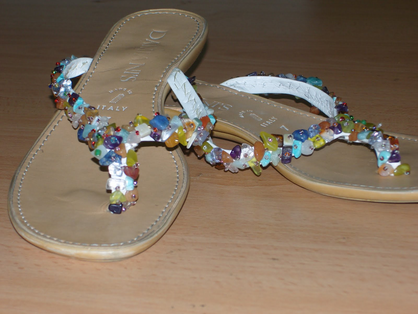 Nibo sandalias decoradas for Paginas decoradas