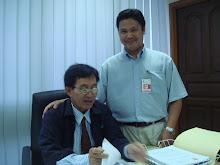 Ketua AMK Puchong, Sdr Mohd Ali bersama En. Husin pembantu YB Yaakub Sapari
