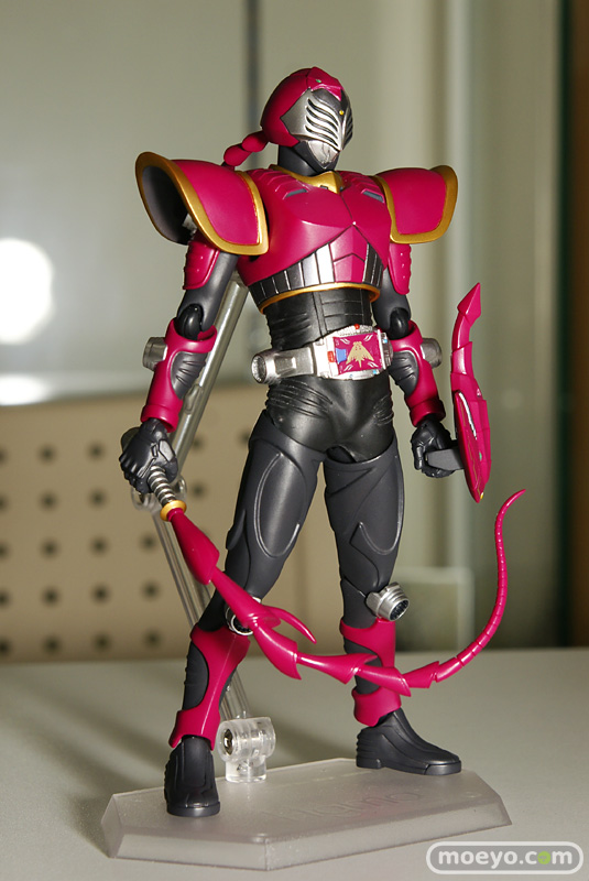 Review: Figma Kamen Rider Sting (Dragon Knight series ...