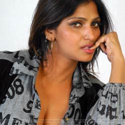 Bhuvaneswari to write Autobiography!