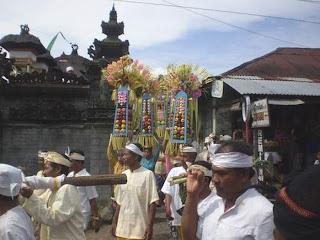 Upacara Ngeloang Capah (Desa Tamblang)