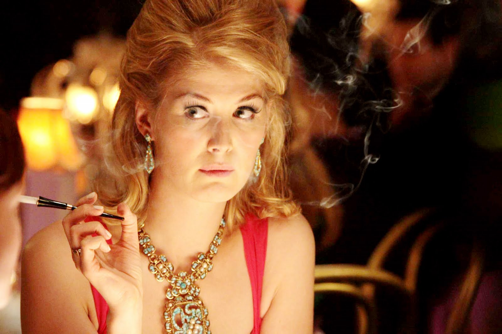 Rosamund Pike has such a distinct look and played the role of Helen so well.