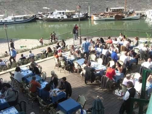Terrasse en bord de seine le grand bleu bons plans for Restaurant bastille terrasse