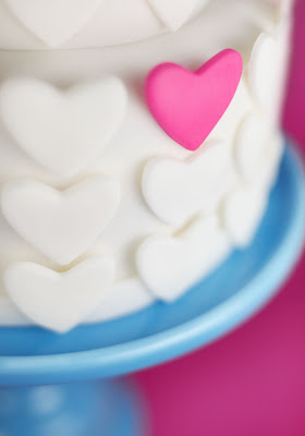 Heart Wedding Cake &amp; Cupcakes You Can Get Tipsy On : ) ~ UK Wedding Blog ~ Whimsical Wonderland Weddings