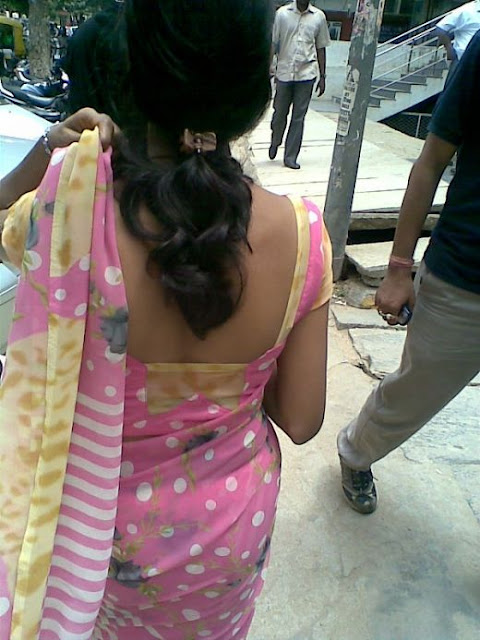 Hot Aunties In Blouse: Mallu Aunties Sexy Back Show ...