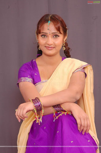 Ravali Saree Hot